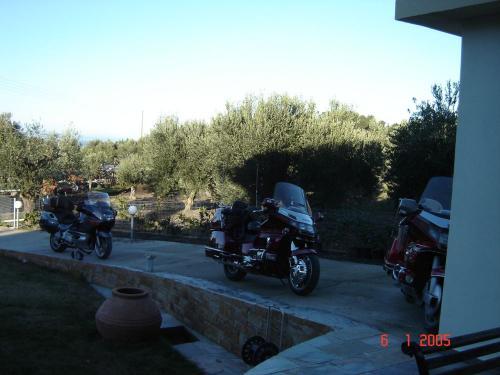 6-1-2005 Pelekia tour